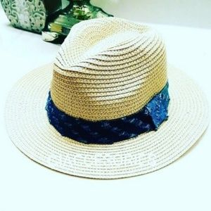 Accessories - Women Beach hat
